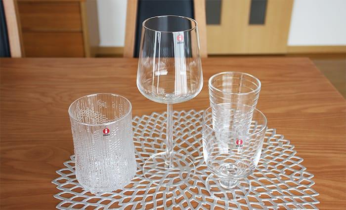 並べたイッタラの各種グラスを比較