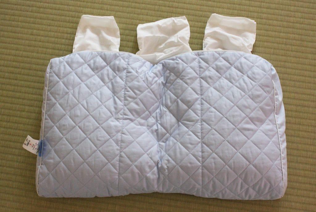 枕にそば殻を補充する箇所