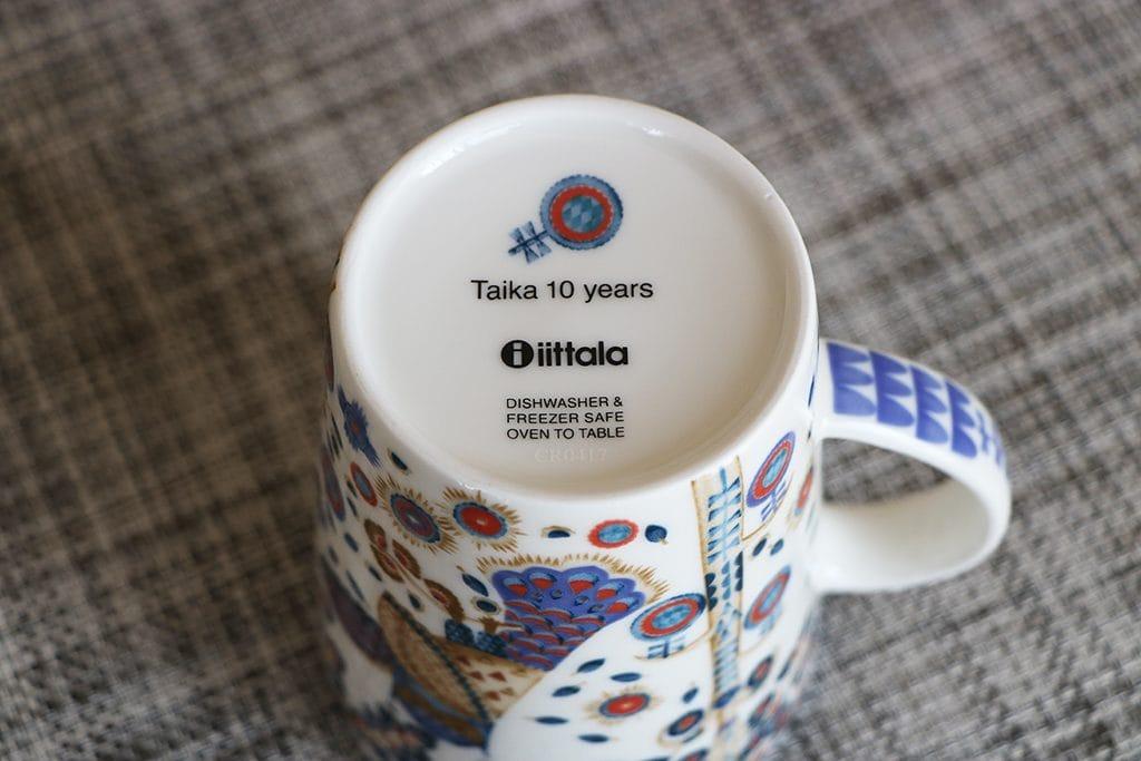 タイカ10周年記念マグの表記